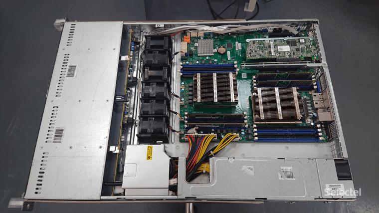Фотография собранного сервера