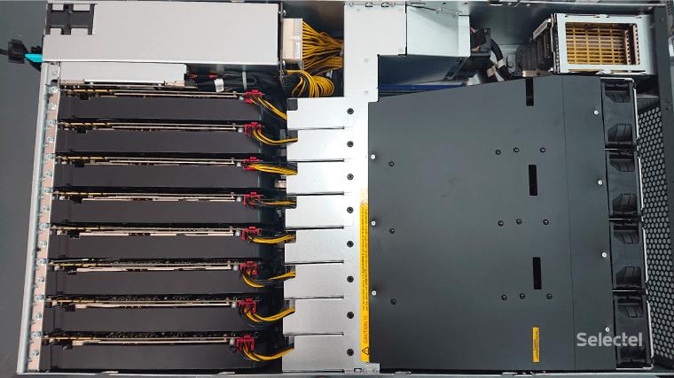 Фотография сервера с GPU